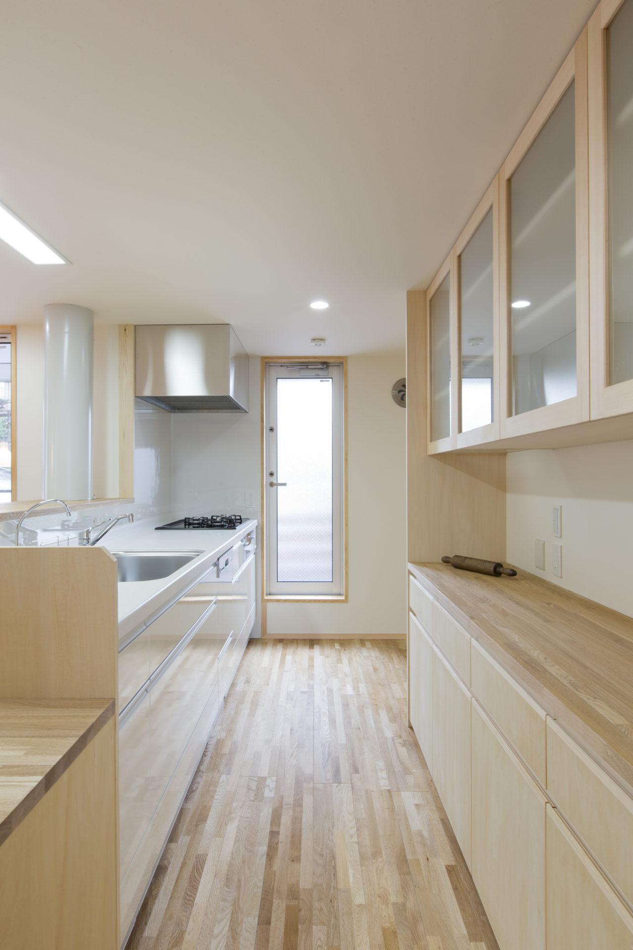 久保町の家 キッチン/Mアトリエ