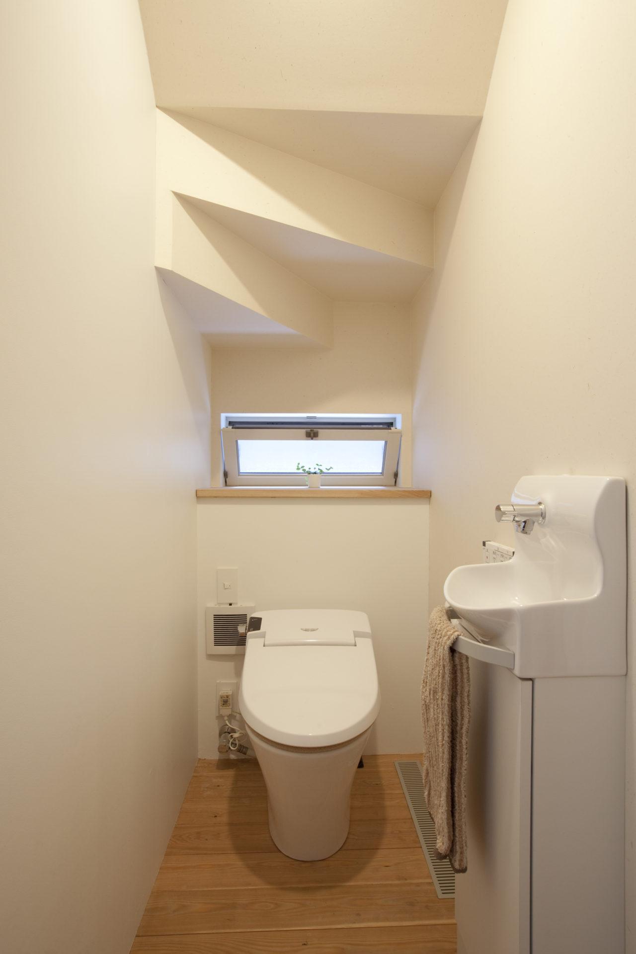 大磯の家 トイレ/Mアトリエ