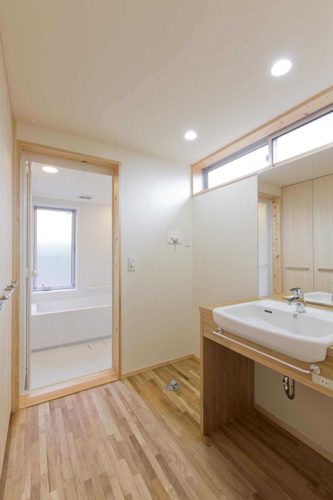 久保町の家 洗面室/Mアトリエ