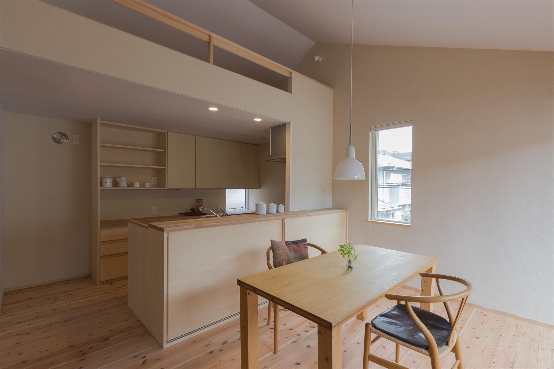 葉山の家 キッチン/Mアトリエ