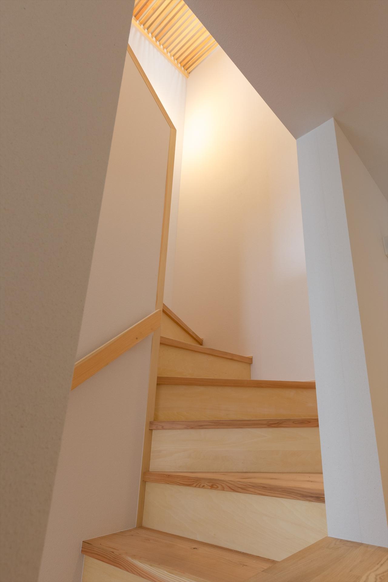 葉山の家 階段/Mアトリエ